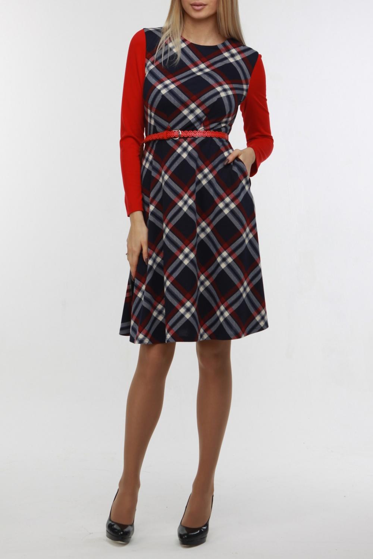 ПлатьеПлатья<br>Это платье может стать вашим любимым Оно выполнено из мягкого комфортного джерси в крупную сине-красную клетку, а длинные рукава - из джерси красного цвета. Такого же красного цвета оригинальный ремешок, который входит в комплект. В боковых швах юбки-трапеции имеются карманы, на спинке потайная молния, длинной 50 см., горловина обработана обтачкой. Прекрасный вариант на каждый нескучный день  В изделии использованы цвета: синий, красный, белый  Рост девушки-фотомодели 178 см.<br><br>Горловина: С- горловина<br>По длине: До колена<br>По материалу: Вискоза,Трикотаж<br>По рисунку: В клетку,С принтом,Цветные<br>По сезону: Осень,Зима<br>По силуэту: Приталенные<br>По стилю: Повседневный стиль<br>По форме: Платье - трапеция<br>Рукав: Длинный рукав<br>Размер : 44,50<br>Материал: Трикотаж<br>Количество в наличии: 3