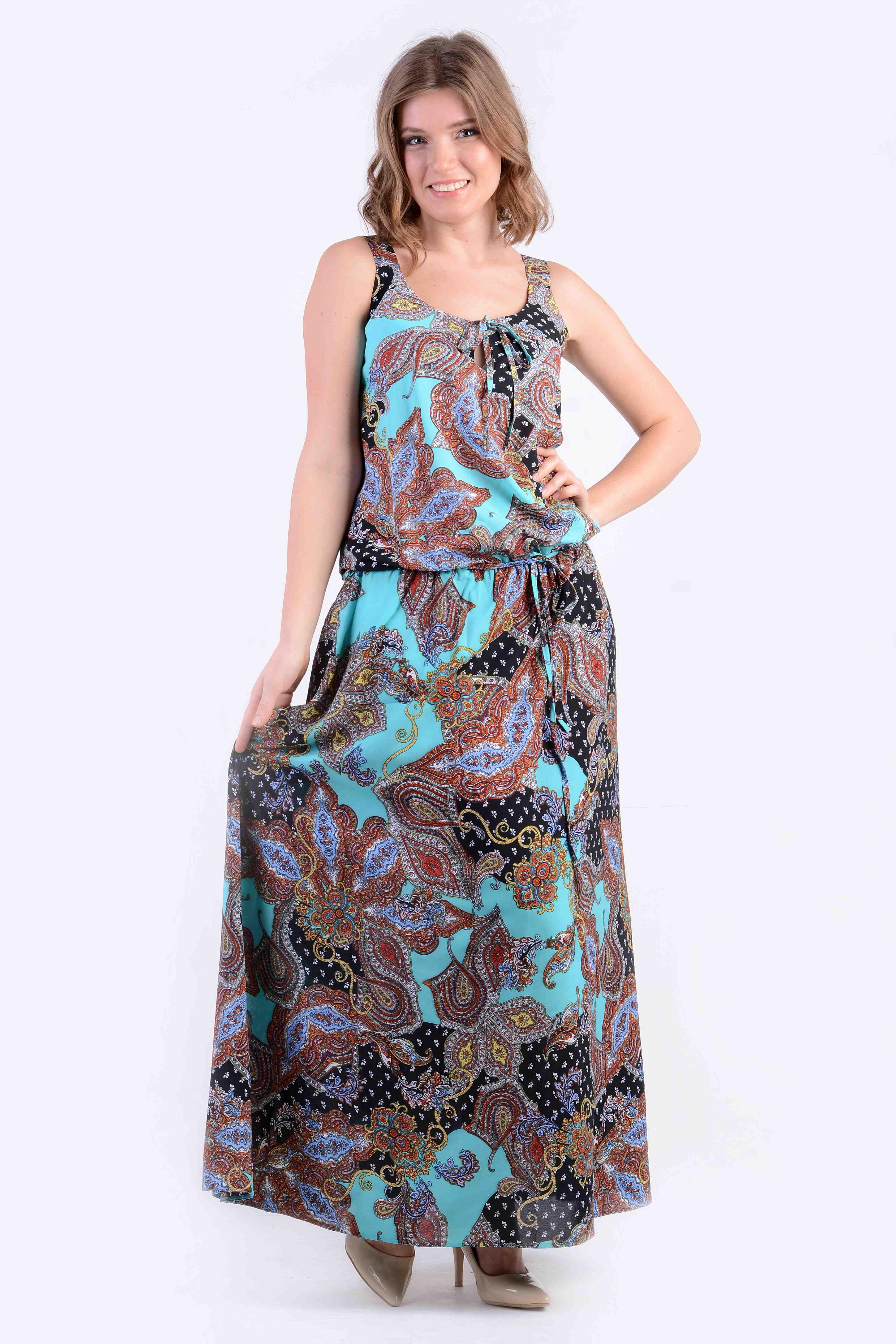 ПлатьеПлатья<br>Притягательное платье яркой расцветки из воздушного шифона.  Цвет: голубой, черный, мультицвет  Рост девушки-фотомодели 170 см<br><br>По образу: Город,Свидание<br>По стилю: Повседневный стиль<br>По материалу: Шифон<br>По рисунку: Цветные,Этнические,Растительные мотивы,С принтом<br>По сезону: Лето<br>По силуэту: Полуприталенные<br>По форме: Платье - трапеция<br>По длине: Макси<br>Рукав: Без рукавов<br>Размер: 44,46,48<br>Материал: 65% вискоза 35% полиэстер<br>Количество в наличии: 3