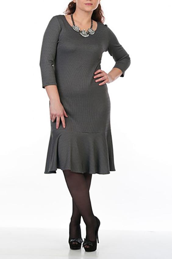 ПлатьеПлатья<br>Забавное платье с длинными рукавами и воланами по подолу. Модель выполнена из приятного материала. Отличный выбор для повседневного и делового гардероба.  Цвет: серый  Рост девушки-фотомодели 162 см<br><br>Горловина: С- горловина<br>По длине: До колена<br>По материалу: Трикотаж,Хлопок<br>По рисунку: Геометрия,Цветные<br>По сезону: Весна,Осень,Зима<br>По силуэту: Полуприталенные<br>По стилю: Офисный стиль,Повседневный стиль<br>По форме: Платье - футляр<br>Рукав: Длинный рукав<br>По элементам: С воланами и рюшами<br>Размер : 46,54<br>Материал: Джерси<br>Количество в наличии: 2