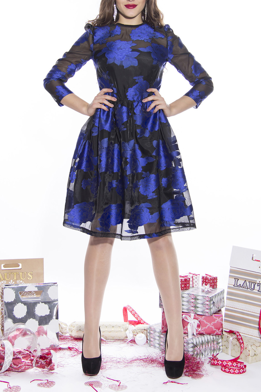 ПлатьеПлатья<br>Цветное платье с круглой горловиной и рукавами 3/4. Модель выполнена из приятного материала. Отличный выбор для любого торжества.  Длина по спинке: 44 размер - 95 см 46 размер - 95 см 48 размер - 97 см 50 размер - 98 см  Длина рукава: 44 размер - 60 см 46 размер - 60 см 48 размер - 61 см 50 размер - 61 см  Цвет: синий, черный<br><br>Горловина: С- горловина<br>По длине: До колена<br>По материалу: Тканевые<br>По образу: Выход в свет,Свидание<br>По рисунку: Растительные мотивы,С принтом,Цветные,Цветочные<br>По сезону: Весна,Зима,Лето,Осень,Всесезон<br>По силуэту: Полуприталенные<br>По стилю: Нарядный стиль<br>По форме: Платье - трапеция<br>Рукав: Рукав три четверти<br>Размер : 44,46,48,50<br>Материал: Капрон<br>Количество в наличии: 2