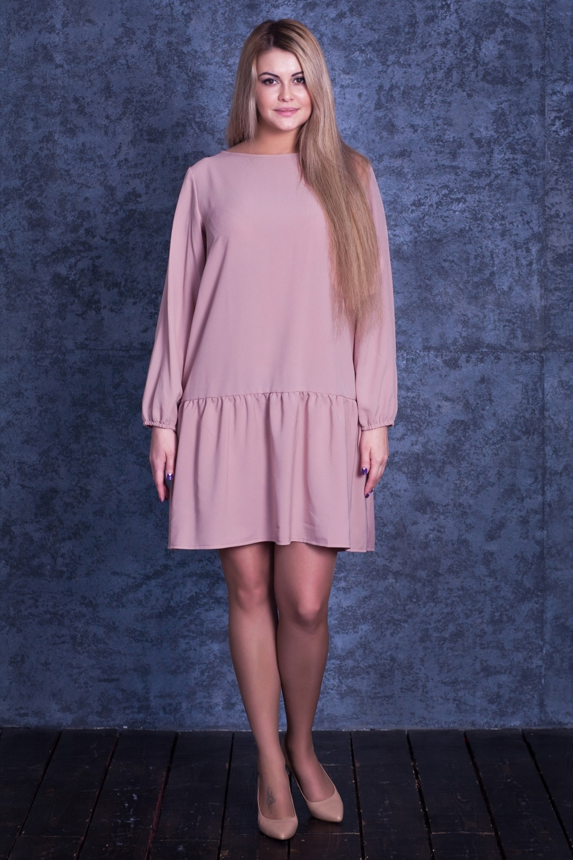 ПлатьеПлатья<br>Платье со спущенной линией плеч, втачными рукавами, присборенными на резинку, аккуратным вырезом горловины quot;лодочкаquot;. Широкий волан по низу платья делает данную модель очень стильной, а модные цвета - востребованной.  Цвет: розовый.  Рост девушки-фотомодели 170 см  Длина по спинке: размеры 42,44,46,48 - 85 см, 50,52 - 90 см<br><br>Горловина: Лодочка<br>По длине: До колена<br>По материалу: Тканевые<br>По рисунку: Однотонные<br>По сезону: Весна,Зима,Осень<br>По силуэту: Свободные<br>По стилю: Кэжуал,Молодежный стиль,Офисный стиль,Повседневный стиль,Романтический стиль<br>По элементам: С воланами и рюшами,С декором,С фигурным низом,Со складками<br>Рукав: Длинный рукав<br>По форме: Платье - трапеция<br>Размер : 42,44,50<br>Материал: Креп<br>Количество в наличии: 3