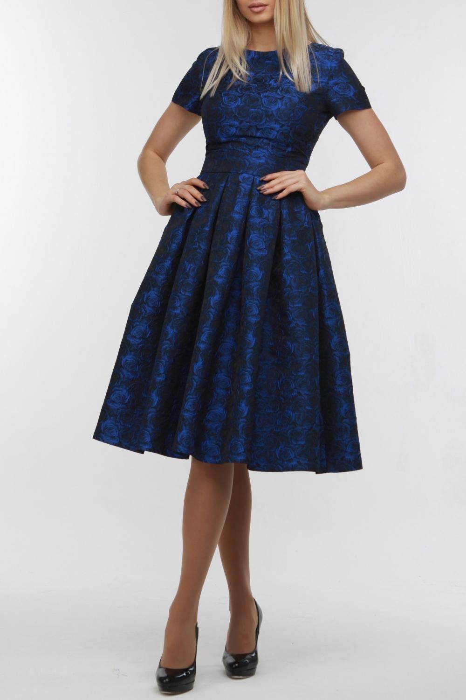 ПлатьеПлатья<br>Очаровательное платье из эффектной тафты с жаккардовым цветочным принтом, прекрасный вариант для торжества и романтичного ужина. Облегающий лиф, талия подчеркнута втачным поясом, на спинке молния и небольшое V-образное декольте. Широкая и очень пышная юбка — главное украшение этого платья. Ткань не эластична, поэтому при выборе размера, рекомендуем обязательно ориентироваться на объем вашей талии: 42 размер для талии не более 64 см.; 44 размер для талии не более 68 см.; 46 размер для талии не более 72 см.; 48 размер для талии не более 76 см.  В изделии использованы цвета: синий  Рост девушки-фотомодели 178 см.<br><br>Горловина: С- горловина<br>По длине: Ниже колена<br>По материалу: Тканевые<br>По рисунку: Растительные мотивы,С принтом,Цветные,Цветочные<br>По силуэту: Приталенные<br>По стилю: Нарядный стиль,Повседневный стиль<br>По форме: Платье - трапеция<br>По элементам: Со складками<br>Рукав: Короткий рукав<br>По сезону: Осень,Весна,Зима,Лето,Всесезон<br>Размер : 42,44,46,48<br>Материал: Плательная ткань<br>Количество в наличии: 4