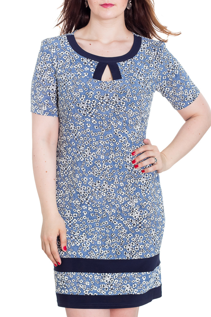 ПлатьеПлатья<br>Эффектное женское платье с короткими рукавами. Модель выполнена из мягкого трикотажа. Отличный вариант для повседневного гардероба.  Цвет: голубой, синий, белый  Рост девушки-фотомодели 180 см<br><br>Горловина: С- горловина<br>По длине: До колена<br>По материалу: Вискоза,Трикотаж<br>По образу: Город,Свидание<br>По рисунку: Растительные мотивы,С принтом,Цветные,Цветочные<br>По сезону: Лето,Осень,Весна<br>По силуэту: Полуприталенные<br>По стилю: Повседневный стиль<br>По форме: Платье - футляр<br>По элементам: С вырезом,С разрезом<br>Разрез: Короткий<br>Рукав: Короткий рукав<br>Размер : 48,50,52,54,56,58<br>Материал: Холодное масло<br>Количество в наличии: 11