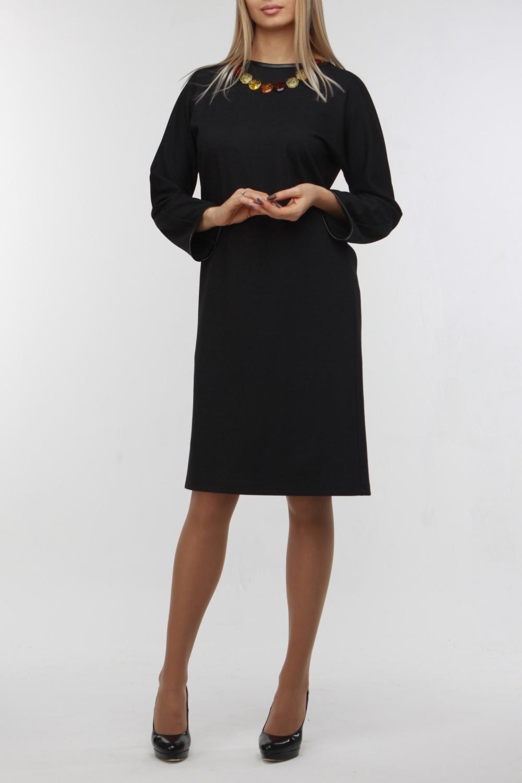 ПлатьеПлатья<br>Универсальное платье прямого силуэта с длинными рукавами. Модель выполнена из плотного трикотажа с декором из искусственной кожи. Отличный выбор для любого случая.  В изделии использованы цвета: темно-серый  Рост девушки-фотомодели 178 см<br><br>Горловина: С- горловина<br>По длине: До колена<br>По материалу: Трикотаж<br>По рисунку: Однотонные<br>По сезону: Зима,Осень,Весна<br>По силуэту: Прямые<br>По стилю: Кэжуал,Офисный стиль,Повседневный стиль<br>По элементам: С кожаными вставками<br>Рукав: Длинный рукав<br>Размер : 46-48<br>Материал: Трикотаж + Искусственная кожа<br>Количество в наличии: 1
