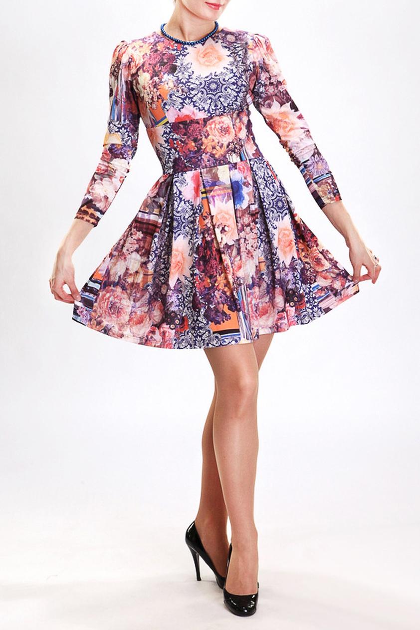 ПлатьеПлатья<br>Это романтичное женское платье в стиле 60-х годов. Отрезная по линии талии юбка, собранная во встречные складки, зрительно скрывает легкие недостатки фигуры. Завышенная головка рукава и подрез под линией груди добавляют женственности этой модели.  Цвет: фиолетовый, белый, коралловый  Рост девушки-фотомодели 180 см.<br><br>Горловина: С- горловина<br>По длине: До колена<br>По материалу: Трикотаж<br>По рисунку: С принтом,Цветные,Цветочные<br>По сезону: Лето,Осень,Весна<br>По силуэту: Полуприталенные<br>По стилю: Повседневный стиль<br>По форме: Платье - трапеция<br>По элементам: Со складками<br>Рукав: Рукав три четверти<br>Размер : 42,44<br>Материал: Холодное масло<br>Количество в наличии: 2