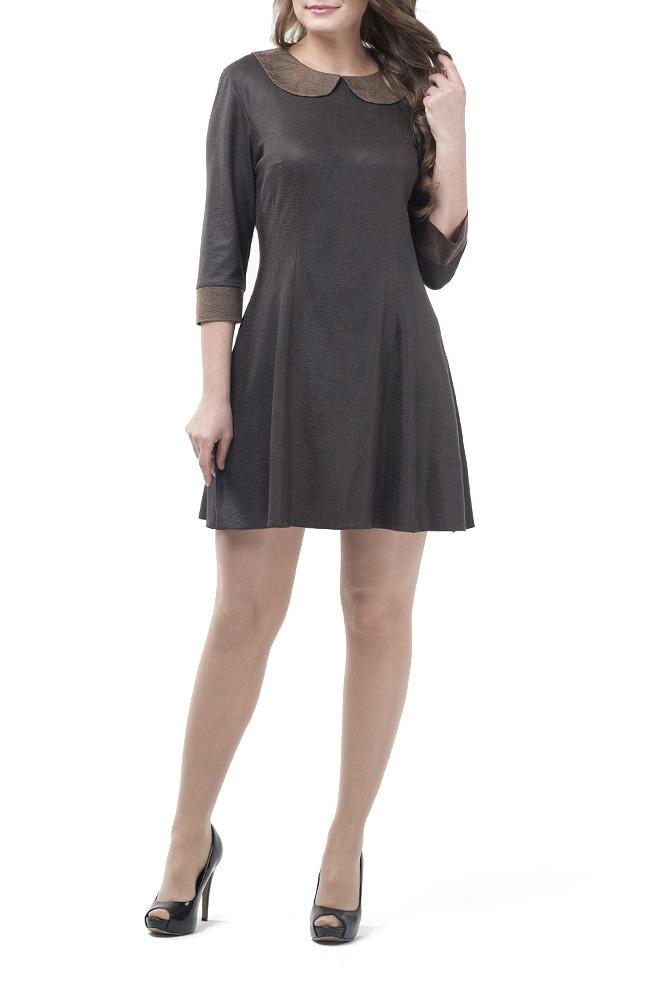 ПлатьеПлатья<br>Молодежное женское платье, расклешенное от талии к низу, за счет фигурных рельефов и глубоких вытачек. Застежка расположена сзади по среднему шву на потайную тесьму молнию. Прекрасный праздничный вариант из ткани, имитирующей тонкую кожу, насыщенный цвет, элегантный дизайн покорит даже самых взыскательных модниц.  Цвет: коричневый  Ростовка изделия 164 см.<br><br>По образу: Свидание,Город<br>По стилю: Повседневный стиль<br>По материалу: Трикотаж<br>По рисунку: Однотонные<br>По сезону: Осень,Весна<br>По силуэту: Полуприталенные<br>По элементам: С манжетами<br>По форме: Платье - трапеция<br>По длине: До колена<br>Воротник: Отложной<br>Рукав: Рукав три четверти<br>Горловина: С- горловина<br>Размер: 42,44,46,48,50,52<br>Материал: 70% полиэстер 30% вискоза<br>Количество в наличии: 11