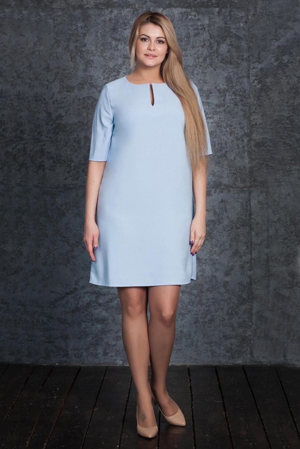 ПлатьеПлатья<br>Платье приятного голубого цвета прямого силуэта. Выполнено из практичного, качественного материала, украшено вырезом на переде. Втачные рукава выше локтя, круглый вырез горловины.  Цвет: голубой.  Рост девушки-фотомодели 170 см.<br><br>Горловина: С- горловина,Фигурная горловина<br>По длине: До колена<br>По материалу: Тканевые<br>По рисунку: Однотонные<br>По силуэту: Прямые<br>По стилю: Классический стиль,Кэжуал,Офисный стиль,Повседневный стиль<br>Рукав: До локтя<br>По сезону: Лето,Осень,Весна<br>Размер : 42,44,46,48<br>Материал: Креп<br>Количество в наличии: 4