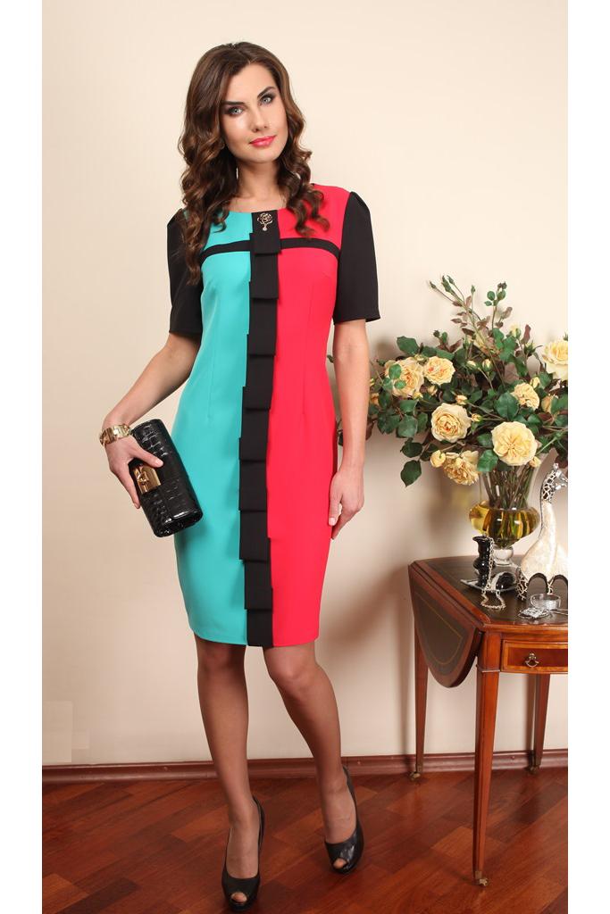 ПлатьеПлатья<br>Нарядное платье с короткими рукавами. Модель выполнена из приятного материала. Отличный выбор для любого случая.   В изделии использованы цвета: голубой, розовый, черный Спинка однотонная черная.  Ростовка изделия 170 см.  Параметры (обхват груди; обхват талии; обхват бедер): 44 размер - 88; 66,4; 96 см 46 размер - 92; 70,6; 100 см 48 размер - 96; 74,2; 104 см 50 размер - 100; 90; 106 см 52 размер - 104; 94; 110 см 54-56 размер - 108-112; 98-102; 114-118 см 58-60 размер - 116-120; 106-110; 124-130 см<br><br>Горловина: С- горловина<br>По длине: До колена<br>По материалу: Тканевые<br>По рисунку: Цветные<br>По сезону: Весна,Зима,Лето,Осень,Всесезон<br>По силуэту: Приталенные<br>По стилю: Нарядный стиль,Повседневный стиль<br>По форме: Платье - футляр<br>По элементам: С декором,С разрезом<br>Разрез: Короткий,Шлица<br>Рукав: Короткий рукав<br>Размер : 52,54-56<br>Материал: Плательная ткань<br>Количество в наличии: 2