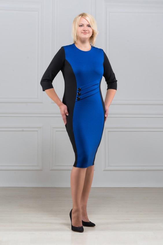 ПлатьеПлатья<br>Элегантное платье построенное на сочетании двух контрастных цветов. Спереди на линии талии наклонные  декоративные складки с тремя пуговицами. Классический вариант для офиса. Ткань характеризуется эластичностью, растяжимостью и мягкостью.  Рукав 3/4. Плотность ткани 280 гр/м2  Длина платья 100-105 см.  Цвет: синий, черный  Рост девушки-фотомодели 173 см<br><br>По образу: Свидание,Город<br>По стилю: Повседневный стиль<br>По материалу: Вискоза,Трикотаж<br>По рисунку: Цветные<br>По сезону: Весна,Осень<br>По силуэту: Полуприталенные<br>По элементам: С декором<br>По форме: Платье - футляр<br>По длине: Ниже колена<br>Рукав: Рукав три четверти<br>Горловина: С- горловина<br>Размер: 50,52,54,56,58,60<br>Материал: 78% вискоза 19% полиэстер 3% эластан<br>Количество в наличии: 10