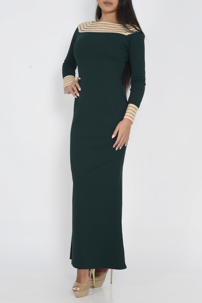 ПлатьеПлатья<br>Чудесное платье в пол приталенного силуэта. Модель выполнена из приятного трикотажа. Отличный выбор для любого случая.  Цвет: зеленый, бежевый  Ростовка изделия 170 см<br><br>Горловина: Лодочка<br>По длине: Макси<br>По материалу: Вискоза,Трикотаж<br>По образу: Свидание<br>По рисунку: Однотонные<br>По силуэту: Приталенные<br>По стилю: Нарядный стиль,Повседневный стиль<br>По форме: Платье - футляр<br>Рукав: Длинный рукав<br>По сезону: Осень,Весна<br>Размер : 42<br>Материал: Плательная ткань<br>Количество в наличии: 1