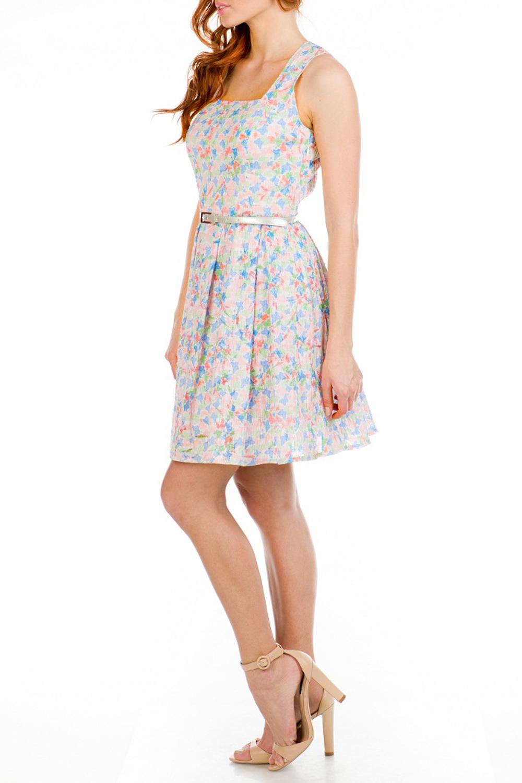 ПлатьеПлатья<br>Женственное платье с квадратной горловиной. Модель выполнена из хлопкового материала. Отличный выбор для повседневного гардероба.  Платье без пояса.  Цвет: розовый, голубой, зеленый<br><br>Горловина: Квадратная горловина<br>По длине: До колена<br>По материалу: Хлопок<br>По образу: Город,Свидание<br>По рисунку: Растительные мотивы,С принтом,Цветные,Цветочные<br>По силуэту: Приталенные<br>По стилю: Повседневный стиль,Романтический стиль<br>По форме: Платье - трапеция<br>Рукав: Без рукавов<br>По сезону: Лето<br>Размер : 42,44,46,48<br>Материал: Хлопок<br>Количество в наличии: 8