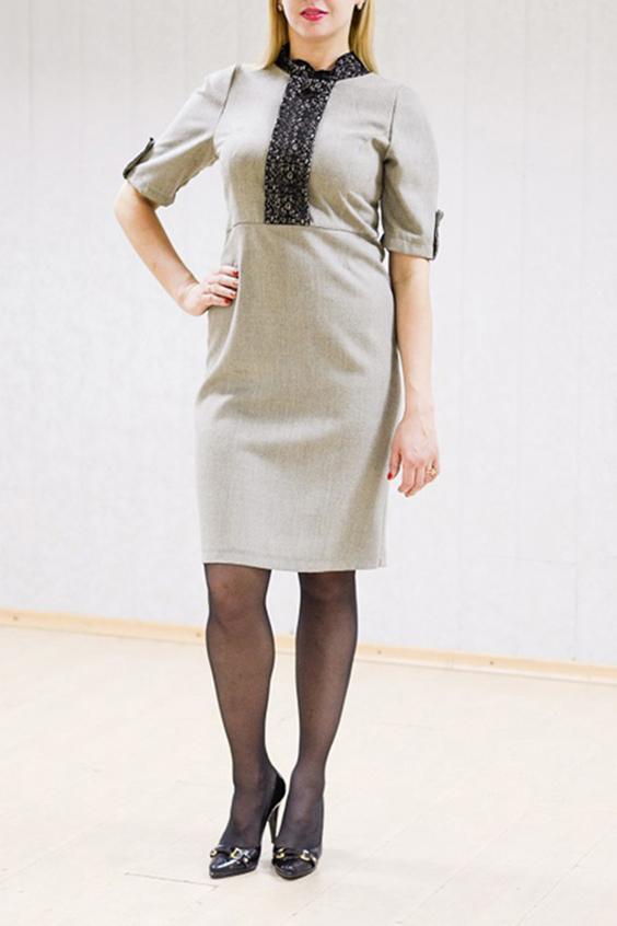 ПлатьеПлатья<br>Офисное платье прилегающего силуэта. Отличный выбор для повседневного гардероба.  Цвет: серый, черный  Рост девушки-фотомодели 170 см<br><br>Воротник: Стойка<br>По длине: До колена<br>По материалу: Гипюр,Трикотаж<br>По рисунку: Однотонные<br>По силуэту: Полуприталенные<br>По стилю: Офисный стиль,Повседневный стиль<br>По форме: Платье - футляр<br>По элементам: С патами<br>Рукав: До локтя<br>По сезону: Осень,Весна<br>Размер : 46<br>Материал: Трикотаж + Гипюр<br>Количество в наличии: 1