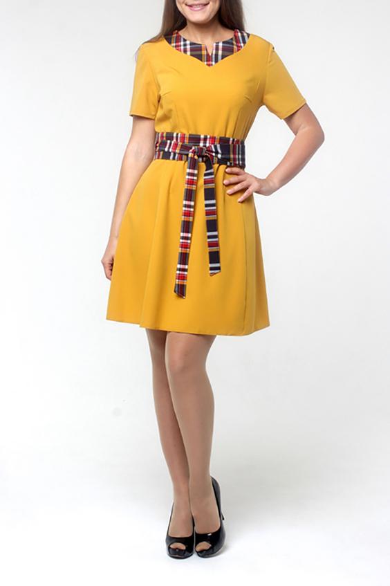 ПлатьеПлатья<br>Молодежное платье, расклешенное от талии к низу, за счет фигурных рельефов и глубоких вытачек. Застежка расположена сзади по среднему шву на потайную тесьму молнию. Прекрасный праздничный вариант декорированный контрастной цветной отделкой по горловине. Насыщенный цвет, элегантный дизайн покорит даже самых взыскательных модниц.  Длина по среднему шву спинки - 90 см.  В изделии использованы цвета: желтый, коричневый, красный, белый  Рост девушки-фотомодели 170 см<br><br>По длине: До колена<br>По материалу: Тканевые<br>По рисунку: С принтом,Цветные<br>По силуэту: Приталенные<br>По стилю: Повседневный стиль<br>По форме: Платье - трапеция<br>Рукав: Короткий рукав<br>По сезону: Осень,Весна,Зима<br>Горловина: Фигурная горловина<br>Размер : 44,50,52<br>Материал: Плательная ткань<br>Количество в наличии: 3