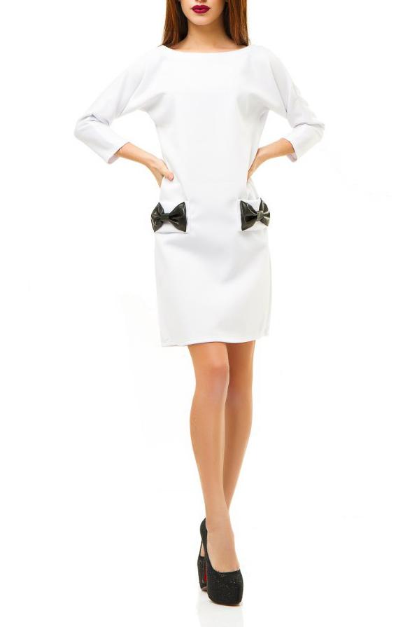 ПлатьеПлатья<br>Молодёжное платье из плотного дайвинга – хит продаж. В одной модели счастливо соединились уникальные качества новой ткани и дизайнерские находки.  Прямой, слегка приталенный и зауженный книзу силуэт создаёт классический образ сдержанной женственности и элегантности. Длинный узкий и одновременно цельнокроеный рукав 3/4 вместе с горловиной в форме лодочки усиливают этот эффект. Длина платье 2/3 до колена придаёт ему стильность и изысканность.  Этот тщательно выверенный, собранный по крупицам классический облик оказывается буквально взорванным всего лишь одной, единственной деталью крупными бабочками-бантами из экокожи. Они располагаются на линии бёдер, придавая контраст. Вещь сразу приобретает оригинальность, становится эксклюзивной.   Цвет: белый.  Ростовка изделия 170 см<br><br>Горловина: Лодочка<br>По длине: До колена<br>По материалу: Трикотаж<br>По образу: Город,Свидание<br>По рисунку: Однотонные<br>По силуэту: Полуприталенные<br>По стилю: Молодежный стиль,Повседневный стиль<br>По форме: Платье - футляр<br>По элементам: С декором,С карманами,С кожаными вставками<br>Рукав: Рукав три четверти<br>По сезону: Осень,Весна<br>Размер : 42,44<br>Материал: Трикотаж<br>Количество в наличии: 2