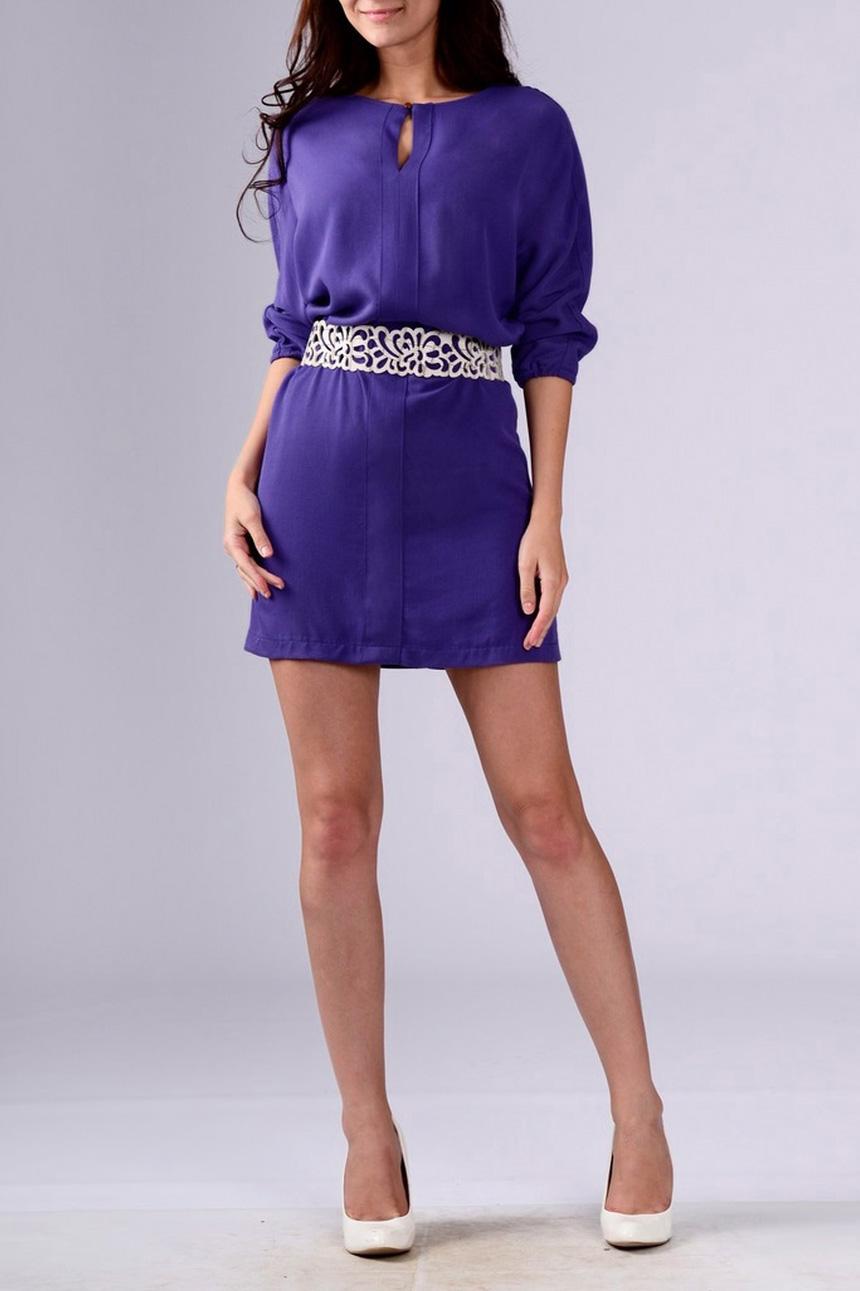 ПлатьеПлатья<br>Прелестное женское платье с рукавами 3/4. Изделие станет Вашем определенно станет Вашим любимым. Пояс в комплект не входит.  Цвет: фиолетовый.  Рост девушки-фотомодели 170 см<br><br>Горловина: Лодочка<br>По длине: До колена,Мини<br>По материалу: Тканевые<br>По рисунку: Однотонные<br>По силуэту: Прямые<br>По стилю: Кэжуал,Повседневный стиль<br>По элементам: С декором<br>Рукав: Рукав три четверти<br>По сезону: Осень,Весна<br>Размер : 44,48<br>Материал: Плательная ткань<br>Количество в наличии: 2