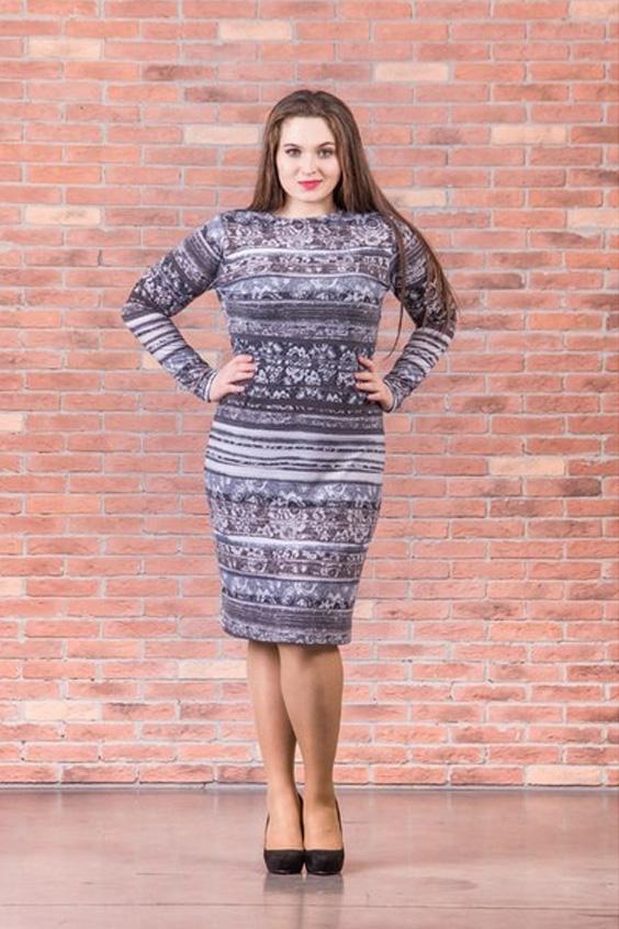 ПлатьеПлатья<br>Очаровательное платье футлярного типа с длинными рукавами. Модель выполнена из плотного трикотажа. Отличный выбор для повседневного гардероба.  Цвет: сиреневый, серый, белый  Ростовка изделия 170 см.<br><br>Горловина: С- горловина<br>По длине: До колена<br>По материалу: Вискоза,Трикотаж<br>По рисунку: Абстракция,В полоску,Цветные,С принтом<br>По сезону: Зима,Осень,Весна<br>По стилю: Повседневный стиль<br>По форме: Платье - футляр<br>Рукав: Длинный рукав<br>По силуэту: Приталенные<br>Размер : 46<br>Материал: Джерси<br>Количество в наличии: 1