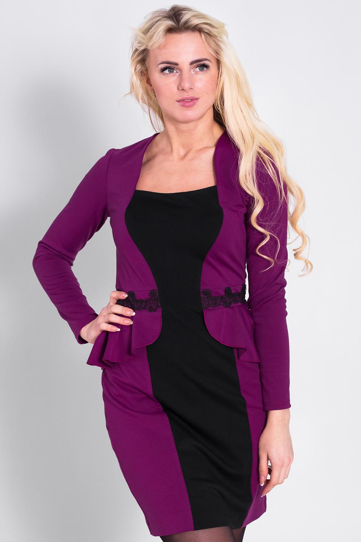 ПлатьеПлатья<br>Платье с баской, пояс декорирован кружевом с пайетками.  Контрастная центральная вставка, необычной формы, выгодно подчёркивает силуэт.  Длина по спинке 88-95 см. в зависимости от размера.  Цвет: фиолетовый, черный  Рост девушки-фотомодели 170 см<br><br>По образу: Свидание,Город<br>По стилю: Повседневный стиль<br>По материалу: Вискоза,Трикотаж<br>По рисунку: Цветные<br>По сезону: Зима,Весна,Осень<br>По силуэту: Полуприталенные<br>По элементам: С баской,С декором<br>По форме: Платье - футляр<br>По длине: До колена<br>Рукав: Длинный рукав<br>Горловина: Квадратная горловина<br>Размер: 42,44,46,48,50,52<br>Материал: 60% вискоза 35% полиэстер 5% эластан<br>Количество в наличии: 5