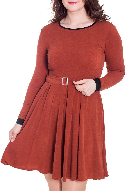 ПлатьеПлатья<br>Однотонное платье с закругленным вырезом горловины и длинными рукавами. Модель выполнена из приятного трикотажа. Отличный выбор для повседневного гардероба. Платье без пояса.  Цвет: коричневый, черный  Рост девушки-фотомодели 180 см.<br><br>Горловина: С- горловина<br>По длине: До колена<br>По материалу: Трикотаж<br>По образу: Город,Свидание<br>По рисунку: Однотонные<br>По силуэту: Полуприталенные<br>По стилю: Повседневный стиль<br>По форме: Платье - трапеция<br>По элементам: С манжетами<br>Рукав: Длинный рукав<br>По сезону: Осень,Весна<br>Размер : 50<br>Материал: Трикотаж<br>Количество в наличии: 1