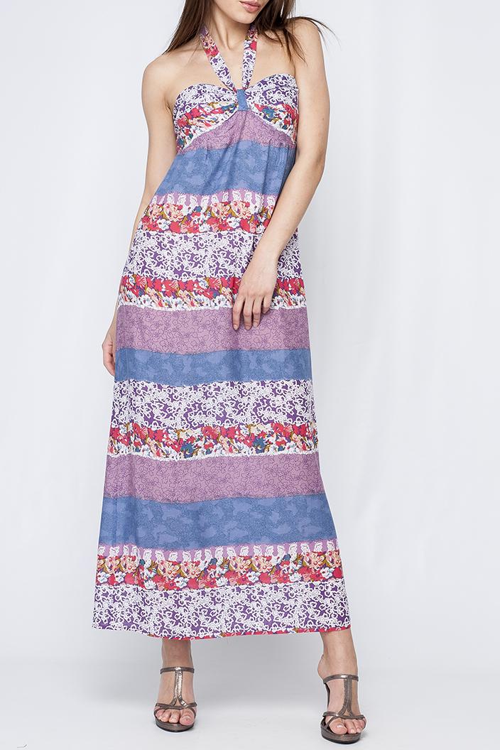 ПлатьеПлатья<br>Цветное платье в пол с открытыми плечами. Модель выполнена из хлопкового материала. Отличный выбор для летнего гардероба.  Параметры изделия:  44 размер: обхват по линии груди - 88 - 92 см, обхват по линии бедер - 96-100 см, длина по спинке - 113 см; 52 размер: обхват по линии груди - 104-108 см, обхват по линии бедер - 112-116 см, длина по спинке - 115,5 см  Цвет: голубой, розовый  Рост девушки-фотомодели 170 см<br><br>По длине: Макси<br>По материалу: Хлопок<br>По образу: Город,Свидание<br>По рисунку: Растительные мотивы,С принтом,Цветные,Цветочные<br>По силуэту: Свободные<br>По стилю: Летний стиль,Повседневный стиль<br>По форме: Платье - трапеция<br>По элементам: С завышенной талией,С открытой спиной,С открытыми плечами<br>Рукав: Без рукавов<br>По сезону: Лето<br>Размер : 42,44,46,48<br>Материал: Хлопок<br>Количество в наличии: 4
