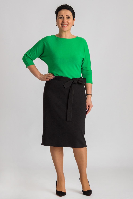 ПлатьеПлатья<br>Женское платье прилегающего силуэта с имитацией блузки и юбки. Модель станет прекрасной составляющей Вашего повседневного гардероба. Ростовка изделия 164 см. Платье без пояса.  В изделии использованы цвета: черный, зеленый  Рост девушки-фотомодели 170 см.<br><br>Горловина: С- горловина<br>По длине: Ниже колена<br>По материалу: Трикотаж<br>По рисунку: Цветные<br>По сезону: Зима,Осень,Весна<br>По силуэту: Полуприталенные<br>По стилю: Кэжуал,Повседневный стиль<br>По форме: Платье - футляр<br>Рукав: Рукав три четверти<br>Размер : 44,46<br>Материал: Трикотаж<br>Количество в наличии: 2