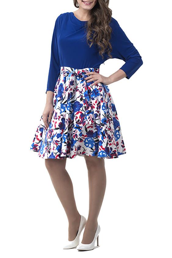 ПлатьеПлатья<br>Прекрасное молодежное летнее платье, расклешенное от пояса к низу (солнце), застежка на потайную тесьму молнию расположена по левому боковому шву. Отличный летний вариант из хлопковой ткани, яркой расцветки, позволит создать элегантный и женственный образ в повседневной жизни. Платье без пояса.  Длина по середине спинки составляет 95 см.  В изделии использованы цвета: синий, белый, розовый  Рост девушки-фотомодели 170 см<br><br>Горловина: Качель<br>По материалу: Тканевые<br>По форме: Платье - трапеция<br>По элементам: С завышенной талией<br>Рукав: Рукав три четверти<br>По сезону: Осень,Весна,Зима<br>По длине: До колена<br>По рисунку: Растительные мотивы,С принтом,Цветные,Цветочные<br>По силуэту: Полуприталенные<br>По стилю: Повседневный стиль<br>Размер : 44,46,48,50,52<br>Материал: Плательная ткань<br>Количество в наличии: 6