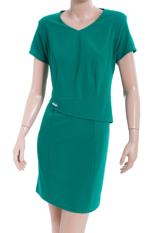 ПлатьеПлатья<br>Стильное платье приятного зеленого оттенка. Модель приталенного силуэта великолепно подчеркивает все достоинства Вашей фигуры. Платье украшено оригинальной вставкой по талии. Короткий рукав. Платье без броши.  В изделии использованы цвета: зеленый  Ростовка изделия 170 см.<br><br>Горловина: V- горловина<br>По длине: До колена<br>По материалу: Вискоза,Трикотаж<br>По рисунку: Однотонные<br>По силуэту: Приталенные<br>По стилю: Повседневный стиль,Офисный стиль<br>По форме: Платье - футляр<br>По элементам: С баской<br>Рукав: Короткий рукав<br>По сезону: Осень,Весна<br>Размер : 52<br>Материал: Трикотаж<br>Количество в наличии: 1