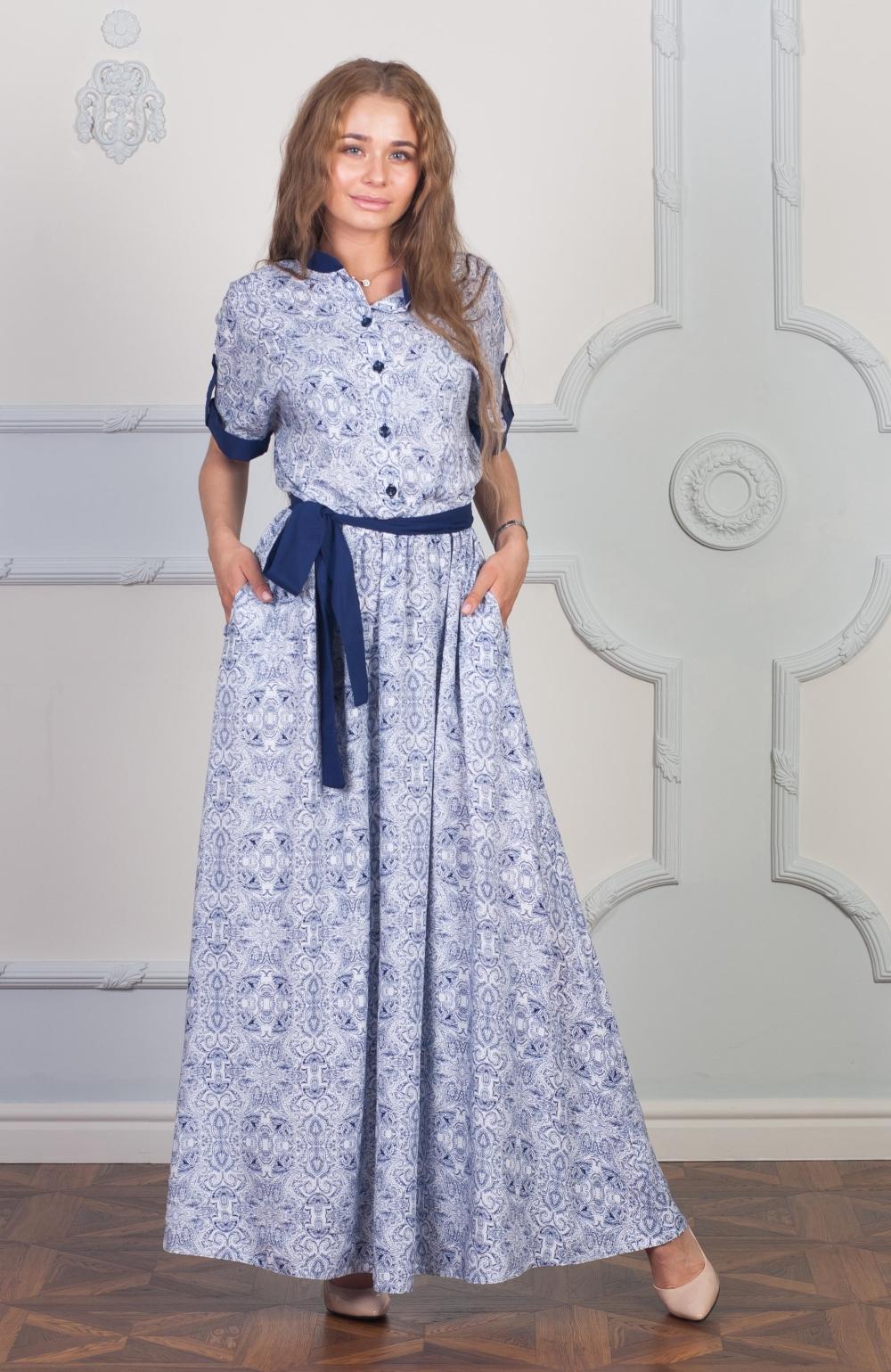 ПлатьеПлатья<br>Платье в пол с контрастными деталями. Модель выполнена из хлопкового материала. Отличный выбор для любого случая. Платье без пояса.  Цвет: голубой, белый, синий  Ростовка изделия 170 см.<br><br>Воротник: Стойка<br>По длине: Макси<br>По материалу: Хлопок<br>По образу: Город,Свидание<br>По рисунку: С принтом,Цветные<br>По силуэту: Полуприталенные<br>По стилю: Повседневный стиль<br>По форме: Платье - трапеция<br>По элементам: С патами<br>Рукав: До локтя<br>По сезону: Лето<br>Размер : 42,44<br>Материал: Хлопок<br>Количество в наличии: 2