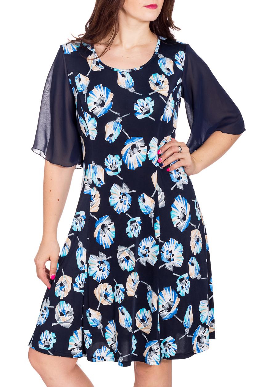 ПлатьеПлатья<br>Цветное платье с круглой горловиной и рукавами до локтя. Модель выполнена из приятного трикотажа. Отличный выбор для любого случая.   В изделии использованы цвета: синий, белый, голубой  Рост девушки-фотомодели 180 см<br><br>Горловина: С- горловина<br>По длине: До колена<br>По материалу: Вискоза,Трикотаж,Шифон<br>По рисунку: Растительные мотивы,С принтом,Цветные,Цветочные<br>По сезону: Весна,Зима,Лето,Осень,Всесезон<br>По стилю: Нарядный стиль,Повседневный стиль<br>По форме: Платье - трапеция<br>Рукав: До локтя<br>Размер : 48,56<br>Материал: Холодное масло + Шифон<br>Количество в наличии: 2