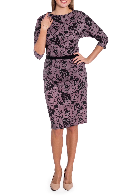 ПлатьеПлатья<br>Женское платье прилегающего силуэта с цельнокроенными рукавами. Модель станет прекрасной составляющей Вашего повседневного гардероба. Ростовка изделия 164 см. Платье без пояса.  В изделии использованы цвета: розовый, черный  Рост девушки-фотомодели 170 см.<br><br>Горловина: С- горловина<br>По длине: Ниже колена<br>По материалу: Трикотаж<br>По рисунку: Растительные мотивы,С принтом,Цветные,Цветочные<br>По сезону: Зима,Осень,Весна<br>По силуэту: Полуприталенные<br>По стилю: Повседневный стиль<br>По форме: Платье - футляр<br>Рукав: Рукав три четверти<br>Размер : 44<br>Материал: Трикотаж<br>Количество в наличии: 1