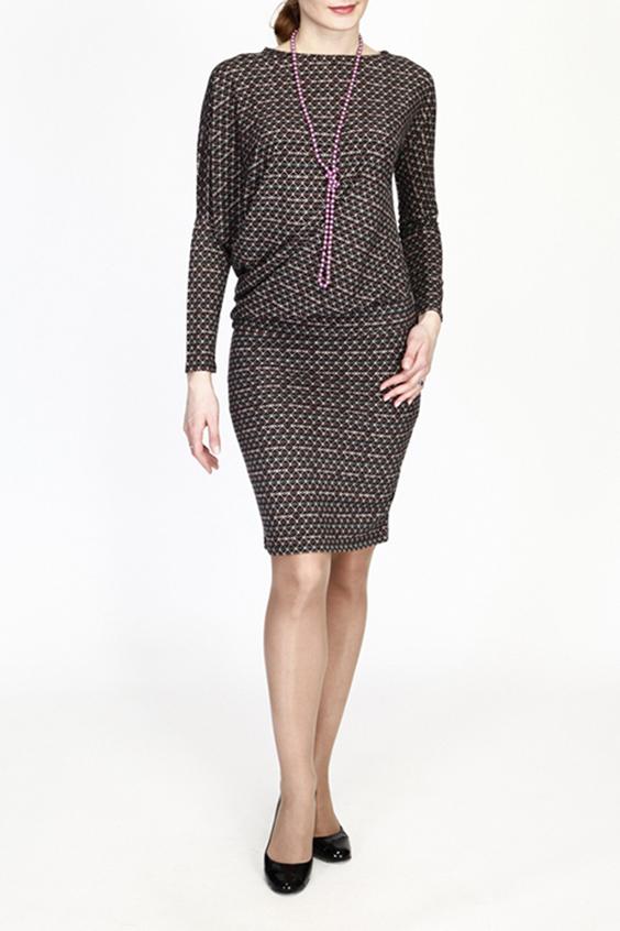 ПлатьеПлатья<br>Уютное платье из теплого трикотажа, выполненное в виде асимметричного блузона и юбки-карандаша. Мягкая, хорошо драпирующаяся ткань позволяет скрыть недостатки фигуры, одновременно придавая образу женственность и изысканность. Блузон на притачном поясе подчеркивает линию бедра.  В изделии использованы цвета: коричневый, бежевый и др.  Рост девушки-фотомодели 180 см.<br><br>Горловина: Лодочка<br>По длине: До колена<br>По материалу: Трикотаж,Шерсть<br>По рисунку: С принтом,Цветные<br>По сезону: Весна,Осень,Зима<br>По силуэту: Полуприталенные<br>По стилю: Повседневный стиль<br>Рукав: Длинный рукав<br>Размер : 48<br>Материал: Трикотаж<br>Количество в наличии: 1