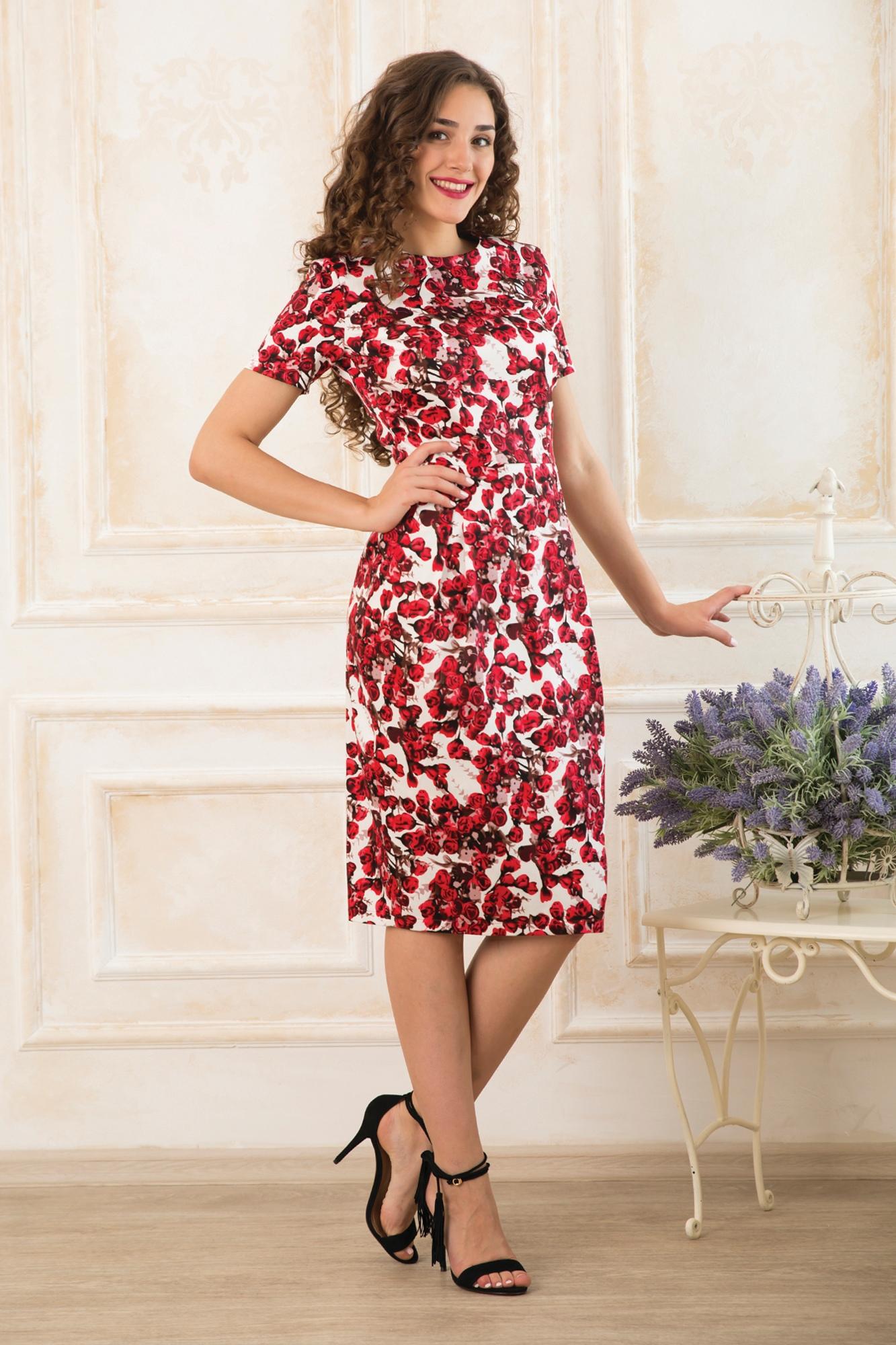 ПлатьеПлатья<br>Цветное платье с короткими рукавами. Модель выполнена из приятного материала. Отличный выбор для любого случая.  Длина по  спинке 44- 109 см 46- 110см 48- 111 см 50- 112 см 52- 113 см 54- 114 см Длина рукава 44-20 см 46-20 см 48-21 см 50-22 см 52-23 см 54-24 см  В изделии использованы цвета: белый, красный, черный и др.  Ростовка изделия 170 см.<br><br>Горловина: С- горловина<br>По длине: Ниже колена<br>По материалу: Хлопок<br>По рисунку: Растительные мотивы,С принтом,Цветные,Цветочные<br>По сезону: Весна,Лето<br>По силуэту: Приталенные<br>По стилю: Повседневный стиль<br>По форме: Платье - футляр<br>По элементам: С разрезом<br>Разрез: Короткий<br>Рукав: Короткий рукав<br>Размер : 44,46<br>Материал: Плательная ткань<br>Количество в наличии: 2