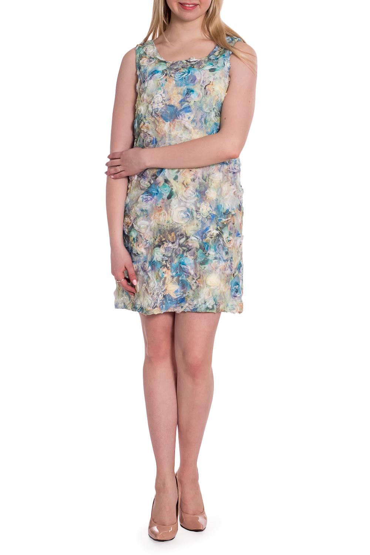 ПлатьеПлатья<br>Элегантное платье-чехол из необычной ткани. На прозрачный гипюр нашиты шифоновые цветы. Сзади по спинки выкат 15 см. Отличный коктейльный вариант.  В изделии использованы цвета: голубой, кремовый и др.  Рост девушки-фотомодели 170 см<br><br>Горловина: С- горловина<br>По длине: До колена<br>По материалу: Гипюровая сетка<br>По рисунку: Растительные мотивы,С принтом,Фактурный рисунок,Цветные,Цветочные<br>По сезону: Весна,Зима,Лето,Осень,Всесезон<br>По силуэту: Полуприталенные<br>По стилю: Летний стиль,Нарядный стиль,Повседневный стиль,Романтический стиль<br>По элементам: С декором,С подкладом<br>Рукав: Без рукавов<br>Размер : 42<br>Материал: Гипюровая сетка<br>Количество в наличии: 1