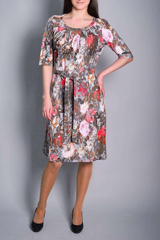 ПлатьеПлатья<br>Цветное платье с рукавами до локтя. Модель выполнена из приятного материала. Отличный выбор для повседневного гардероба. Платье без пояса.  В изделии использованы цвета: бежевый, коралловый и др.  Ростовка изделия 170 см.<br><br>Горловина: С- горловина<br>По длине: До колена<br>По материалу: Вискоза,Трикотаж<br>По рисунку: Растительные мотивы,С принтом,Цветные,Цветочные<br>По силуэту: Полуприталенные<br>По стилю: Повседневный стиль<br>По форме: Платье - трапеция<br>Рукав: До локтя<br>По сезону: Осень,Весна,Зима<br>Размер : 50,52<br>Материал: Трикотаж<br>Количество в наличии: 2