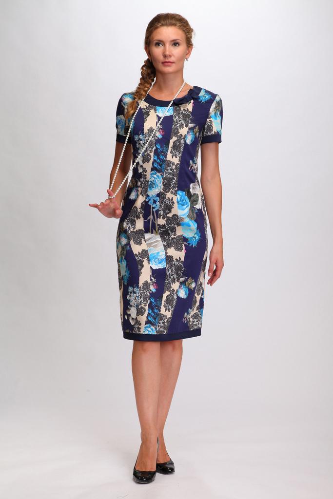 ПлатьеПлатья<br>Классическое женское платье полуприлегающего силуэта. Отделка низа платья, низа рукавов и горловины выполнена из атласа-стрейча синего цвета. По центру спинки вшита потайная молния.  Цвет: синий, фиолетовый голубой, серый  Ростовка изделия 170 см.<br><br>По образу: Город,Свидание<br>По стилю: Повседневный стиль<br>По материалу: Трикотаж<br>По рисунку: В полоску,Растительные мотивы,С принтом,Цветные,Цветочные<br>По сезону: Весна,Осень<br>По силуэту: Приталенные<br>По элементам: С декором<br>По форме: Платье - футляр<br>По длине: До колена<br>Рукав: Короткий рукав<br>Горловина: С- горловина<br>Размер: 50,52,54,56<br>Материал: 96% хлопок 4% эластан<br>Количество в наличии: 1