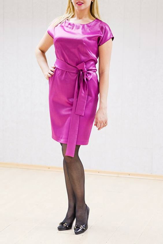 ПлатьеПлатья<br>Нарядное платье с короткими рукавами. Плотная атласная ткань с мерцающими частицами. Отличный выбор для любого торжества. Пояс в комплект не входит.  Цвет: розовый  Рост девушки-фотомодели 170 см<br><br>Горловина: С- горловина<br>По длине: До колена<br>По материалу: Атлас<br>По рисунку: Однотонные<br>По сезону: Весна,Зима,Лето,Осень,Всесезон<br>По силуэту: Полуприталенные<br>По стилю: Нарядный стиль<br>По форме: Платье - футляр<br>Рукав: Короткий рукав<br>Размер : 44,46,48<br>Материал: Атлас<br>Количество в наличии: 5