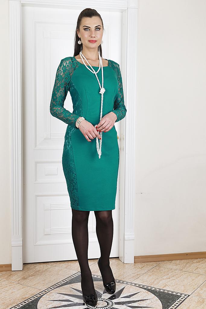 ПлатьеПлатья<br>Нарядное платье длиной до колена. Модель выполнена из мягкого трикотажа с гипюровыми вставками. Отличный выбор для любого случая.   Цвет: зеленый  Ростовка изделия 170 см.  Параметры (обхват груди; обхват талии; обхват бедер): 44 размер - 88; 66,4; 96 см 46 размер - 92; 70,6; 100 см 48 размер - 96; 74,2; 104 см 50 размер - 100; 90; 106 см 52 размер - 104; 94; 110 см 54-56 размер - 108-112; 98-102; 114-118 см 58-60 размер - 116-120; 106-110; 124-130 см<br><br>Горловина: С- горловина<br>По длине: До колена<br>По материалу: Гипюр,Трикотаж<br>По образу: Свидание<br>По рисунку: Однотонные<br>По сезону: Весна,Зима,Лето,Осень,Всесезон<br>По силуэту: Приталенные<br>По стилю: Нарядный стиль<br>По форме: Платье - футляр<br>По элементам: С декором,С разрезом<br>Разрез: Короткий,Шлица<br>Рукав: Длинный рукав<br>Размер : 48<br>Материал: Трикотаж + Гипюр<br>Количество в наличии: 1