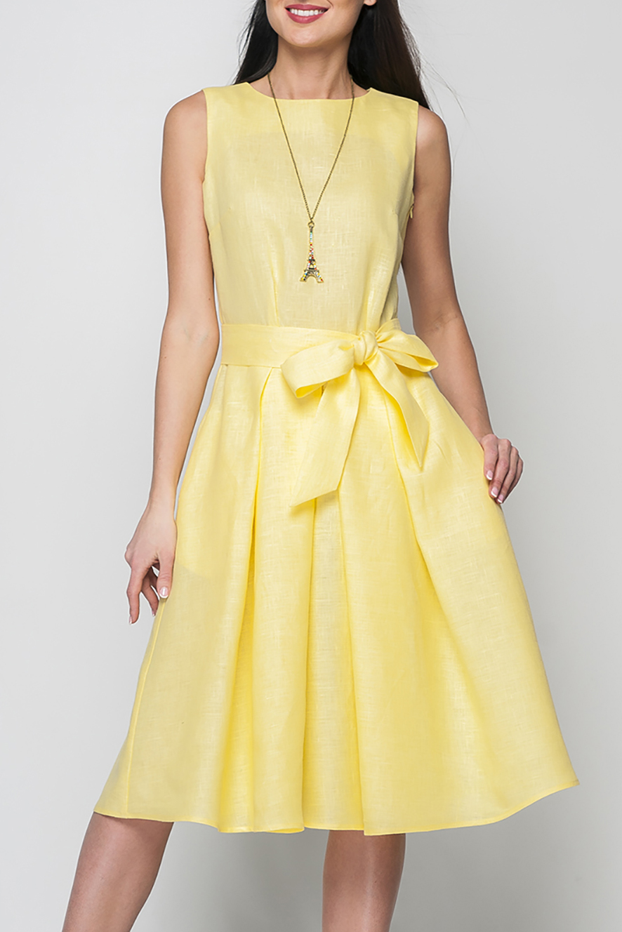 ПлатьеПлатья<br>Элегантное женское платье расклешенного кроя, длина ниже колена, линию талии подчеркнет эффектный декоративный пояс, потайная застежка - молния в боковом шве, в боковых складках юбки спрятаны карманы.Цвет: желтыйРост девушки-фотомодели 175 см<br><br>Горловина: С- горловина<br>Рукав: Без рукавов<br>Длина: До колена<br>Материал: Лен<br>Рисунок: Однотонные<br>Сезон: Лето<br>Силуэт: Полуприталенные<br>Стиль: Повседневный стиль,Летний стиль<br>Форма: Платье - трапеция<br>Элементы: Со складками<br>Размер : 50<br>Материал: Лен<br>Количество в наличии: 1