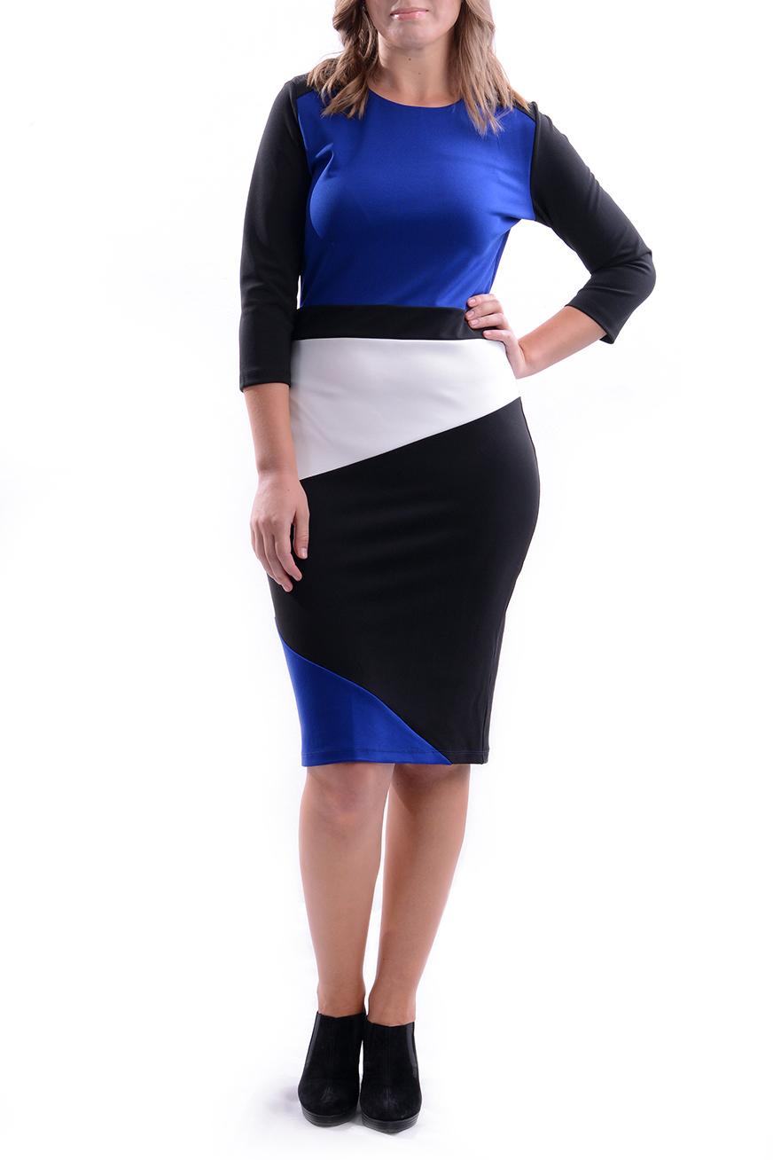 ПлатьеПлатья<br>Цветное платье приталенного силуэта. Модель выполнена из приятного трикотажа. Отличный выбор для повседневного гардероба.  В изделии использованы цвета: синий, черный, белый  Рост девушки-фотомодели 170 см<br><br>Горловина: С- горловина<br>По длине: Ниже колена<br>По материалу: Трикотаж<br>По образу: Город,Свидание<br>По рисунку: Цветные<br>По силуэту: Приталенные<br>По стилю: Повседневный стиль<br>По форме: Платье - футляр<br>Рукав: Рукав три четверти<br>По сезону: Осень,Весна<br>Размер : 44,46,48,50,52<br>Материал: Трикотаж<br>Количество в наличии: 5