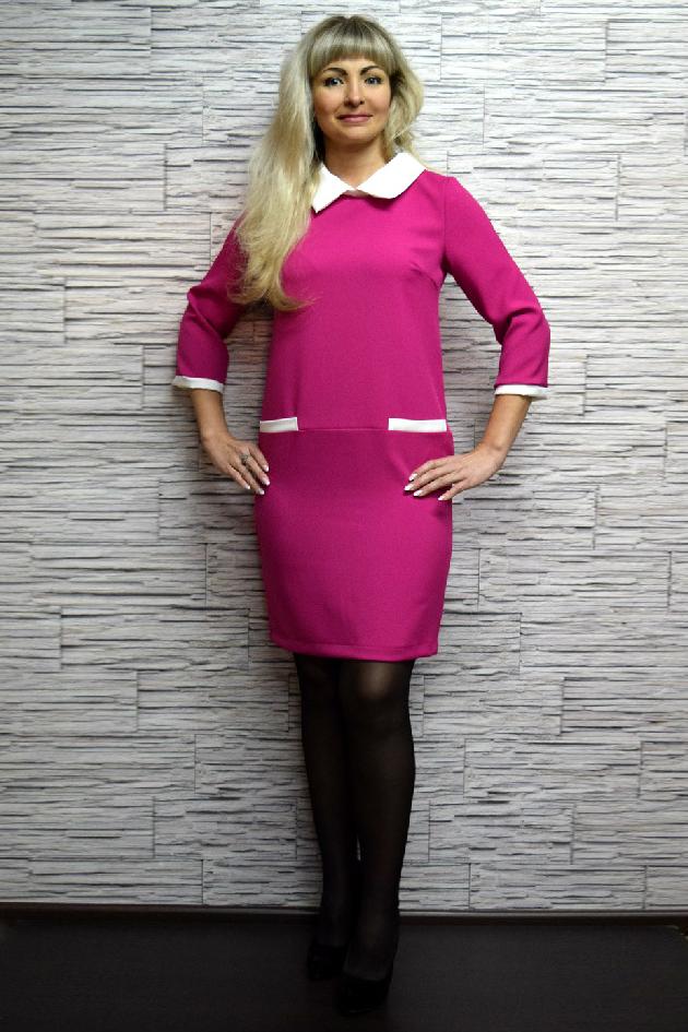 ПлатьеПлатья<br>Трикотажное платье отрезное на бедрах полуприлигающего силуэта. Отличный выбор для повседневного гардероба. Бижутерия в комплект не входит.  Цвет: розовый, белый  Рост девушки-фотомодели 170 см<br><br>Воротник: Отложной<br>По длине: До колена<br>По материалу: Вискоза,Трикотаж<br>По рисунку: Цветные<br>По силуэту: Полуприталенные<br>По стилю: Винтаж,Повседневный стиль<br>По форме: Платье - футляр<br>Рукав: Рукав три четверти<br>По сезону: Осень,Весна,Зима<br>Размер : 42,44,46,48<br>Материал: Джерси<br>Количество в наличии: 4