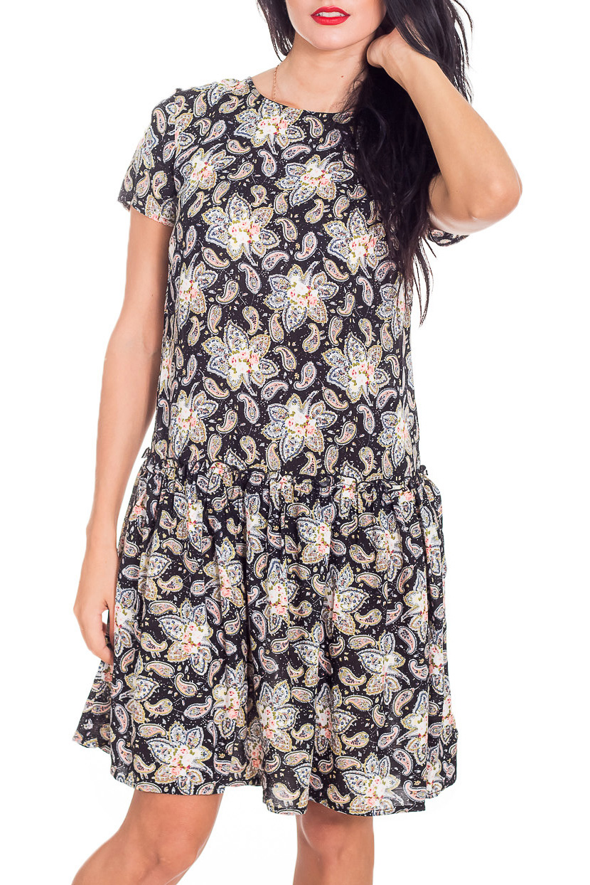 ПлатьеКрасивое платье свободного силуэта. Модель выполнена из приятного материала. Отличный выбор для повседневного гардероба.   Длина изделия по спинке: размеры 42,44,46,48 - 85 см, 50,52 - 90 см  В изделии использованы цвета: черный, бежевый и др.  Рост девушки-фотомодели 173 см<br><br>Горловина: С- горловина<br>По длине: До колена<br>По материалу: Хлопок<br>По образу: Город,Свидание<br>По рисунку: С принтом,Цветные<br>По силуэту: Полуприталенные<br>По стилю: Повседневный стиль<br>По форме: Платье - трапеция<br>Рукав: Короткий рукав<br>По сезону: Лето<br>Размер : 42,44,48,50,52<br>Материал: Хлопок<br>Количество в наличии: 5