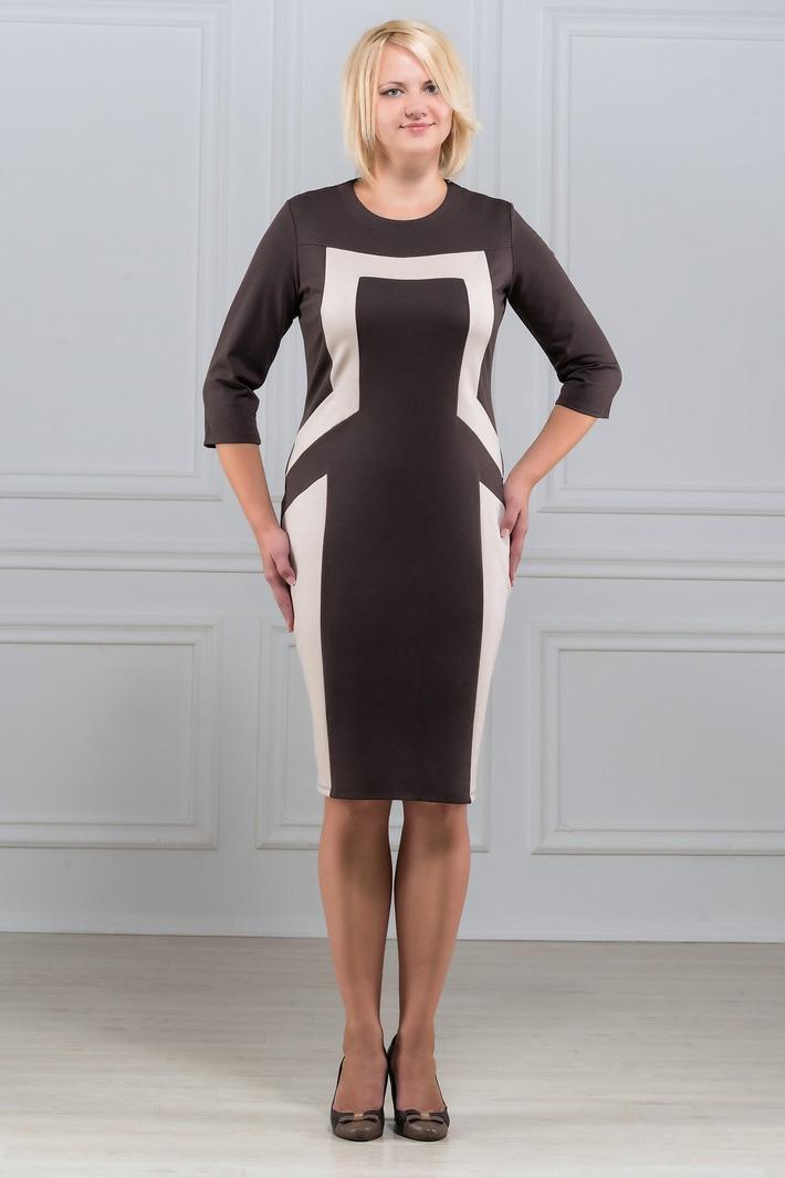 ПлатьеПлатья<br>Лаконичное и в то же время изысканное платье с круглым вырезом и рукавом 3/4. Симметричный рисунок из контрастных вставок зрительно стройнит фигуру. Великолепный вариант для офиса и на каждый день. Ткань - плотный трикотаж, характеризующийся эластичностью, растяжимостью и мягкостью.. Ткань - плотный трикотаж, характеризующийся эластичностью, растяжимостью и мягкостью.  Длина изделия 100-105 см.   В изделии использованы цвета: коричневый, бежевый  Рост девушки-фотомодели 173 см<br><br>Горловина: С- горловина<br>По длине: До колена<br>По материалу: Вискоза,Трикотаж<br>По рисунку: Цветные<br>По силуэту: Приталенные<br>По стилю: Повседневный стиль<br>По форме: Платье - футляр<br>Рукав: Рукав три четверти<br>По сезону: Осень,Весна,Зима<br>Размер : 50,52,54,60,62,64<br>Материал: Трикотаж<br>Количество в наличии: 6
