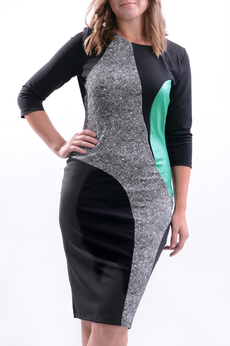 ПлатьеПлатья<br>Цветное платье приталенного силуэта. Модель выполнена из приятного трикотажа. Отличный выбор для повседневного гардероба.  В изделии использованы цвета: черный, серый, мятный  Рост девушки-фотомодели 170 см<br><br>Горловина: С- горловина<br>По длине: Ниже колена<br>По материалу: Трикотаж<br>По рисунку: Цветные<br>По силуэту: Приталенные<br>По стилю: Повседневный стиль<br>По форме: Платье - футляр<br>Рукав: Рукав три четверти<br>По сезону: Осень,Весна,Зима<br>Размер : 44,46,48,50,52<br>Материал: Трикотаж<br>Количество в наличии: 5