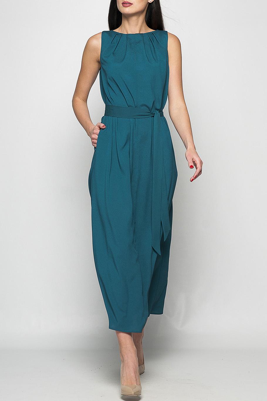 ПлатьеПлатья<br>Элегантное платье, которое подойдет, как для свидания, так и для деловой встречи, украсит Ваш гардероб. Просторные карманы не крадут изящности, но предоставляют Вам возможность взять с собой необходимые мелочи. Легкие складочки и небольшой вырез на груди добавят дополнительный акцент, который без сомнения привлечет внимание.   Параметры изделия:  44 размер: обхват груди - 98 см, обхват бедер - 118 см, длина изделия - 130 см;  52 размер: обхват груди - 112 см, обхват бедер - 124 см, длина изделия - 131 см.  Цвет: темно-изумрудный  Рост девушки-фотомодели 175 см<br><br>Горловина: С- горловина<br>По длине: Миди,Ниже колена<br>По материалу: Шифон<br>По рисунку: Однотонные<br>По силуэту: Прямые<br>По стилю: Повседневный стиль,Летний стиль<br>По элементам: С карманами,Со складками<br>Рукав: Без рукавов<br>По сезону: Лето<br>По форме: Платье - трапеция<br>Размер : 42<br>Материал: Шифон<br>Количество в наличии: 1