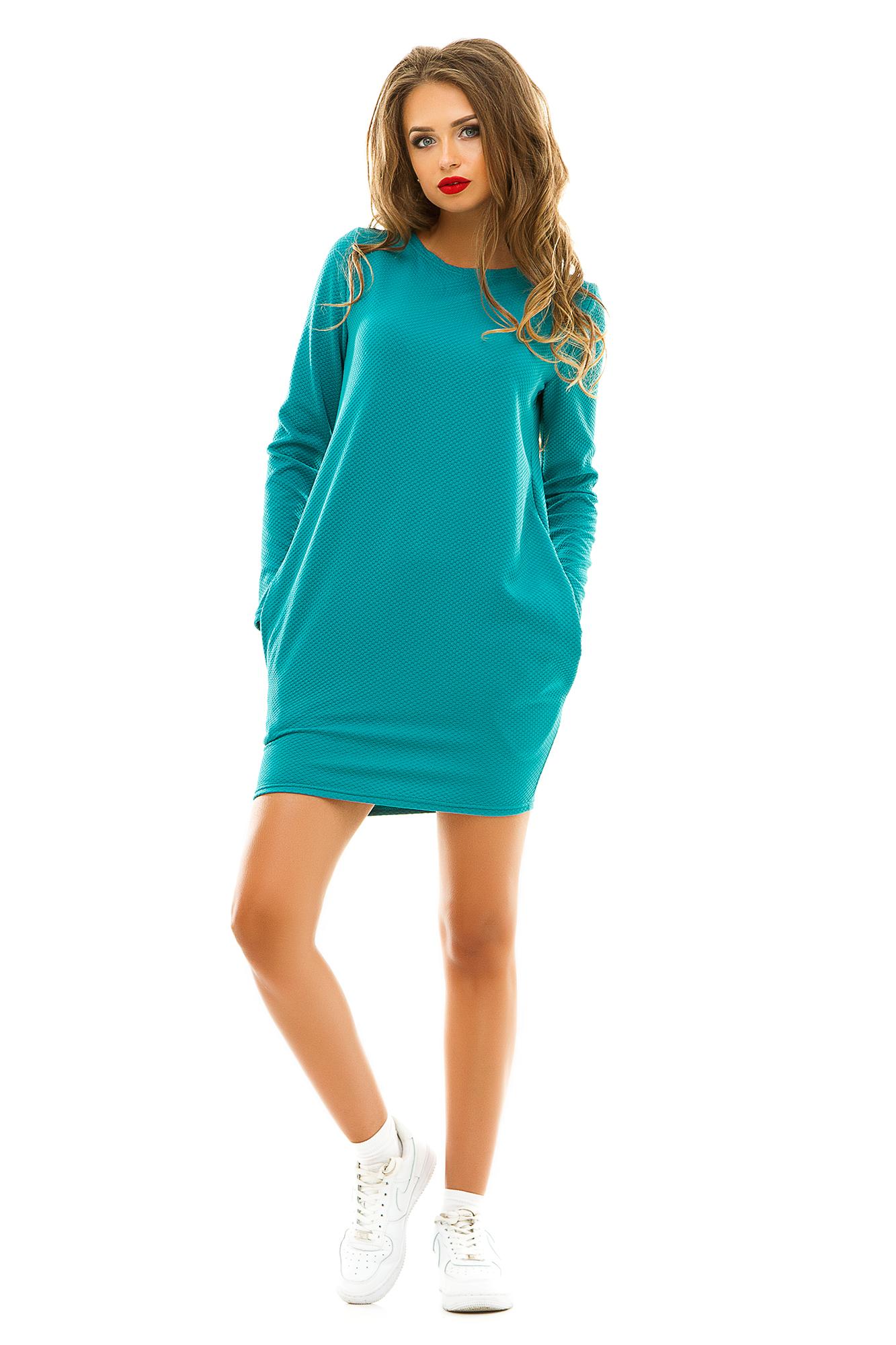 ПлатьеПлатья<br>Данная модель изготовлена из трикотажа. Модель обязательно понравится всем девушкам, которые предпочитают спортивный стиль одежды. Яркие цвета, которые были выбраны для пошива этого платья - туники, и боковые внутренние карманы делают ее броской и привлекающей внимание.  Цвет: бирюзовый.  Ростовка изделия 170 см.<br><br>По длине: Мини<br>По материалу: Трикотаж<br>По рисунку: Однотонные,Фактурный рисунок<br>По силуэту: Прямые,Свободные<br>По стилю: Кэжуал,Молодежный стиль,Повседневный стиль,Спортивный стиль<br>По форме: Платье - баллон<br>По элементам: С карманами<br>Рукав: Длинный рукав<br>По сезону: Осень,Весна<br>Горловина: С- горловина<br>Размер : 42-44<br>Материал: Трикотаж<br>Количество в наличии: 1