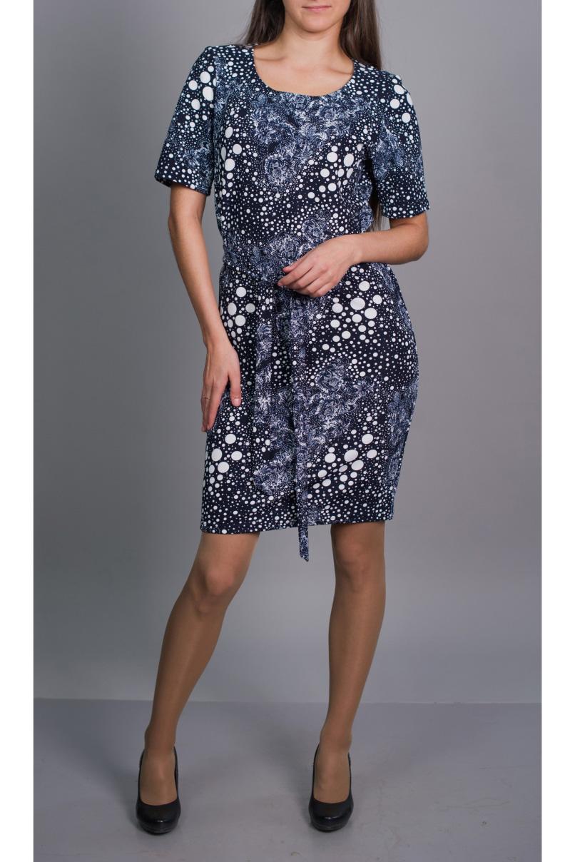 ПлатьеПлатья<br>Цветное платье с короткими рукавами. Модель выполнена из приятного материала. Отличный выбор для повседневного гардероба. Платье без пояса.  В изделии использованы цвета: синий, голубой, белый  Ростовка изделия 170 см.<br><br>Горловина: С- горловина<br>По длине: До колена<br>По материалу: Вискоза,Трикотаж<br>По рисунку: С принтом,Цветные<br>По силуэту: Полуприталенные<br>По стилю: Повседневный стиль<br>По форме: Платье - футляр<br>Рукав: Короткий рукав<br>По сезону: Осень,Весна,Зима<br>Размер : 46,48,50,52<br>Материал: Трикотаж<br>Количество в наличии: 4