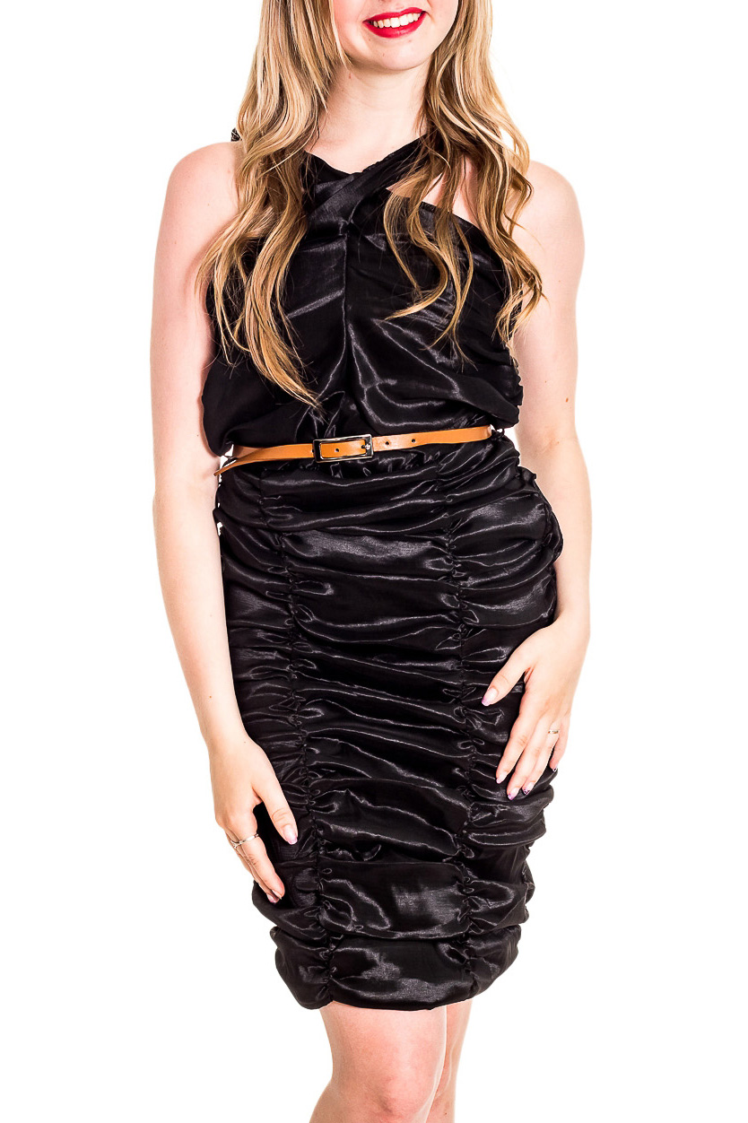 ПлатьеПлатья<br>Эффектное платье с драппировкой. Модель выполнена из блестящей тафты. Отличный выбор для любого торжества. Платье без ремня.  Цвет: черный  Рост девушки-фотомодели 170 см.<br><br>По длине: До колена<br>По материалу: Тканевые<br>По рисунку: Однотонные<br>По сезону: Весна,Зима,Лето,Осень,Всесезон<br>По силуэту: Приталенные<br>По стилю: Нарядный стиль,Вечерний стиль<br>По форме: Платье - футляр<br>По элементам: С открытыми плечами,Со складками<br>Рукав: Без рукавов<br>Размер : 42,44,46<br>Материал: Тафта<br>Количество в наличии: 3