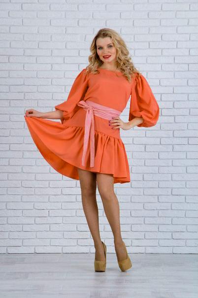 ПлатьеПлатья<br>Модное в этом сезоне платье-трапеция. Модель выполнена из приятного материала. Отличный выбор для повседневного гардероба. Платье без пояса.  Цвет: оранжевый  Ростовка изделия 170 см.<br><br>Горловина: С- горловина<br>По длине: До колена<br>По материалу: Тканевые<br>По рисунку: Однотонные<br>По силуэту: Полуприталенные<br>По стилю: Повседневный стиль,Романтический стиль<br>По форме: Платье - трапеция<br>По элементам: С воланами и рюшами<br>Рукав: Рукав три четверти<br>По сезону: Осень,Весна<br>Размер : 48<br>Материал: Плательная ткань<br>Количество в наличии: 1