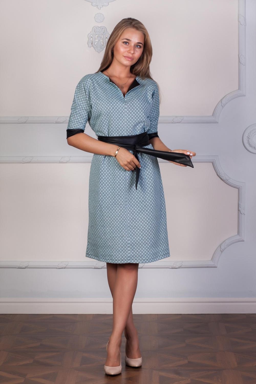 ПлатьеПлатья<br>Платье выполнено без застежек, отделка из экокожи на вороте и манжетах. Отличный выбор для любого случая. Платье без пояса.  В изделии использованы цвета: голубой, черный  Ростовка изделия 170 см.  Длины изделия: 42,44 размеры - 102 см; 46,48 размеры - 106 см; 50,52 размеры - 110 см; 54,56 размеры - 115 см.<br><br>Горловина: Фигурная горловина<br>По длине: Ниже колена<br>По материалу: Трикотаж<br>По рисунку: С принтом,Цветные<br>По силуэту: Полуприталенные<br>По стилю: Офисный стиль,Повседневный стиль<br>По форме: Платье - трапеция<br>По элементам: С кожаными вставками,С манжетами<br>Рукав: Рукав три четверти<br>По сезону: Осень,Весна,Зима<br>Размер : 52,54,56<br>Материал: Трикотаж + Искусственная кожа<br>Количество в наличии: 3