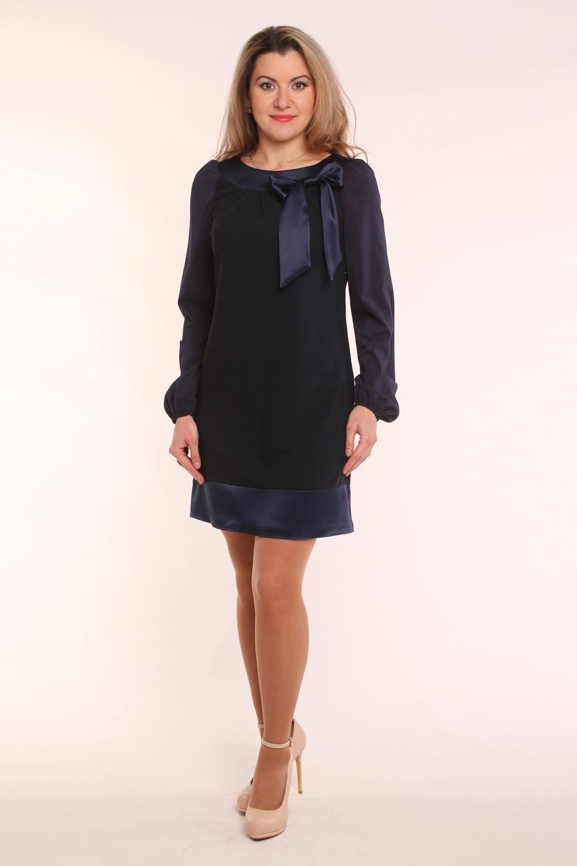 ПлатьеПлатья<br>Нарядное женское платье с круглой горловиной, декоративным бантиком и длинными рукавами. Модель выполнена из костюмной ткани с отделкой из гладкого атласа. Отличный выбор для любого торжества.  Цвет: синий  Длина изделия 85 см  Длина рукава 61 см  Рост девушки-фотомодели 163 см<br><br>Горловина: С- горловина<br>По длине: До колена<br>По материалу: Атлас,Вискоза,Тканевые<br>По образу: Выход в свет,Город,Свидание<br>По рисунку: Однотонные<br>По сезону: Весна,Всесезон,Зима,Лето,Осень<br>По силуэту: Полуприталенные<br>По стилю: Нарядный стиль,Повседневный стиль<br>По форме: Платье - трапеция<br>По элементам: С декором<br>Рукав: Длинный рукав<br>Размер : 56<br>Материал: Костюмная ткань<br>Количество в наличии: 1