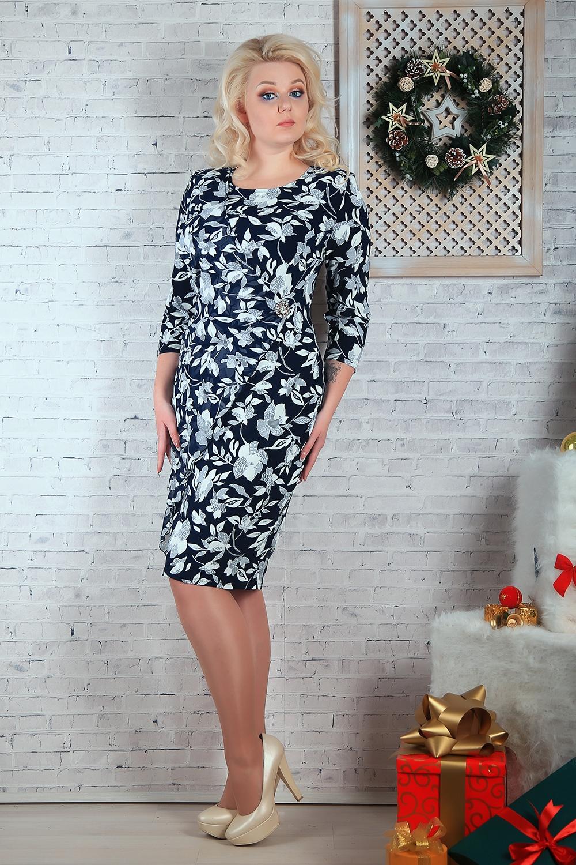 ПлатьеПлатья<br>Нарядное платье с круглой головиной и рукавами 3/4. Модель выполнена из приятного материала и воздушного шифона. Отличный выбор для любого случая.  В изделии использованы цвета: синий, снежный и др.  Параметры размеров: 44 размер - обхват груди 84 см., обхват талии 72 см., обхват бедер 97 см. 46 размер - обхват груди 92 см., обхват талии 76 см., обхват бедер 100 см. 48 размер - обхват груди 96 см., обхват талии 80 см., обхват бедер 103 см. 50 размер - обхват груди 100 см., обхват талии 84 см., обхват бедер 106 см. 52 размер - обхват груди 104 см., обхват талии 88 см., обхват бедер 109 см. 54 размер - обхват груди 110 см., обхват талии 94,5 см., обхват бедер 114 см. 56 размер - обхват груди 116 см., обхват талии 101 см., обхват бедер 119 см. 58 размер - обхват груди 122 см., обхват талии 107,5 см., обхват бедер 124 см. 60 размер - обхват груди 128 см., обхват талии 114 см., обхват бедер 129 см.  Ростовка изделия 168 см.<br><br>Горловина: С- горловина<br>По длине: Ниже колена<br>По материалу: Тканевые,Шифон<br>По образу: Свидание<br>По рисунку: Растительные мотивы,С принтом,Цветные,Цветочные<br>По сезону: Весна,Зима,Лето,Осень,Всесезон<br>По силуэту: Полуприталенные<br>По стилю: Нарядный стиль,Повседневный стиль<br>По форме: Платье - футляр<br>Рукав: Рукав три четверти<br>Размер : 54,56,58,60<br>Материал: Холодное масло + Шифон<br>Количество в наличии: 8